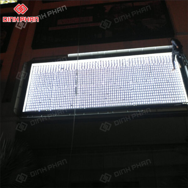 hộp đèn 3m in uv - vincom